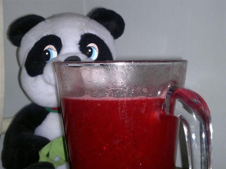 Клюквенный морс домашнего приготовления. Фото: Soyworld.ru